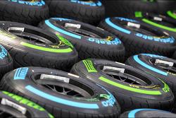 Wet Pirelli lastiğis