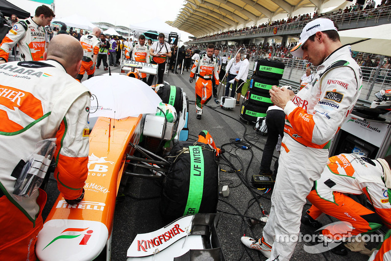 Adrian Sutil, Sahara Force India VJM06 op de grid