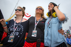 Kirsten Dee, girlfriend of James Hinchcliffe, watches the end of the race with Holly Wheldon, and James' mom Arlene Hinchcliffe