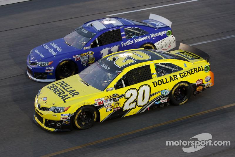 Matt Kenseth, Joe Gibbs Racing Toyota and Brian Vickers, Joe Gibbs Racing Toyota
