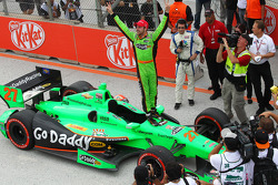 Race winner James Hinchcliffe, Andretti Autosport Chevrolet