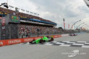 James Hinchcliffe, Andretti Autosport Chevrolet takes the win