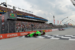 James Hinchcliffe, Andretti Autosport Chevrolet takes the win
