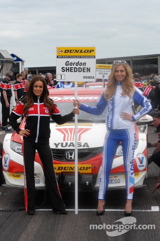 Grid Girls da Gordon Shedden