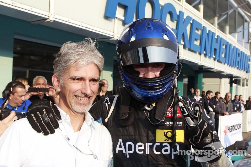 Damon Hill met zijn zoon Josh Hill