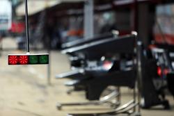 Sauber pit light system