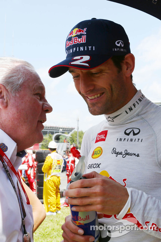 Mark Webber, Red Bull Racing with Alan Jones, FIA Steward on the grid