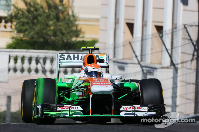 Adrian Sutil, Sahara Force India VJM06 rijdt met flow-vis paint