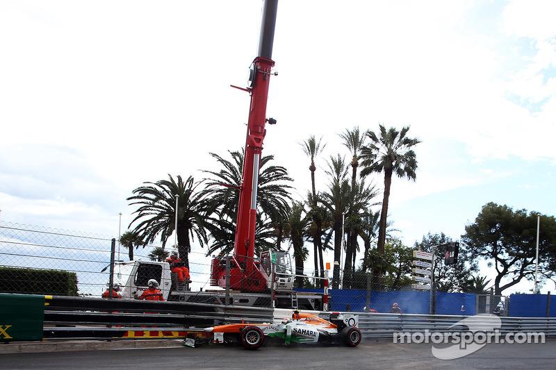 Adrian Sutil, Sahara Force India VJM06 crasht in de derde training