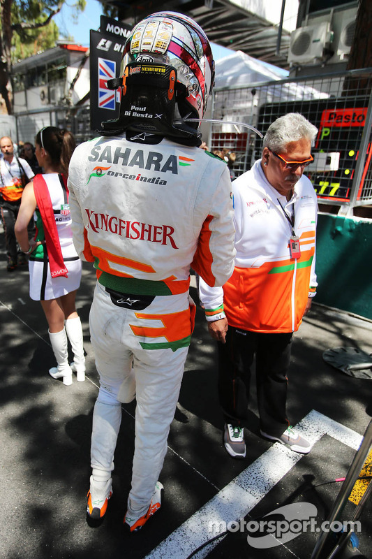 Paul di Resta, Sahara Force India F1 no grid com Dr. Vijay Mallya, Sahara Force India F1 proprietário da