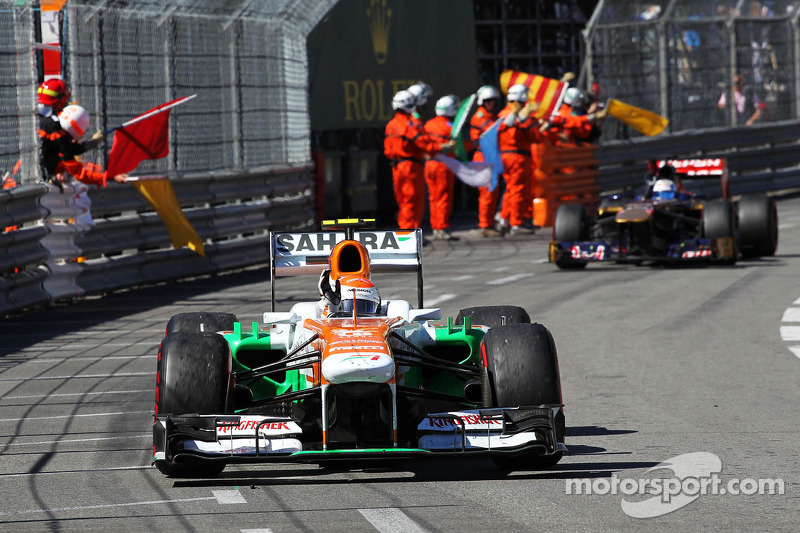 Adrian Sutil, Sahara Force India VJM06 viert feest na de race