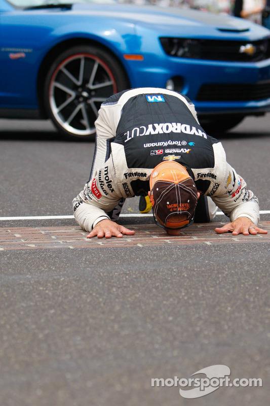 Tony Kanaan, KV Racing Technologies comemora