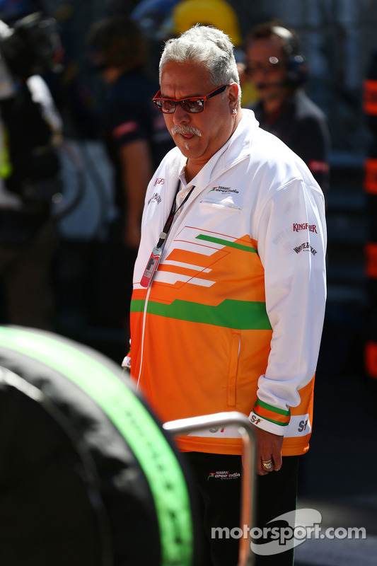 Dr. Vijay Mallya, dono da equipe Sahara Force India F1, no grid