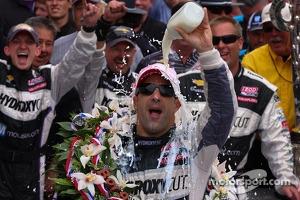 Race winner Tony Kanaan celebrates