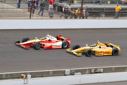 Ryan Hunter-Reay y Helio Castroneves