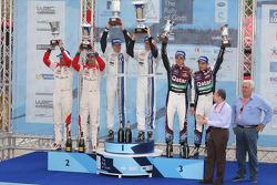 Ralli galibi Jari-Matti Latvala, Miikka Anttila, Volkswagen Polo WRC, Volkswagen Motorsport, 2. Daniel Sordo, Carlos del Barrio, Citroen DS3 WRC, Citroën Total Abu Dhabi World Rally Team, 3. Thierry Neuville, Nicolas Gilsoul, Ford