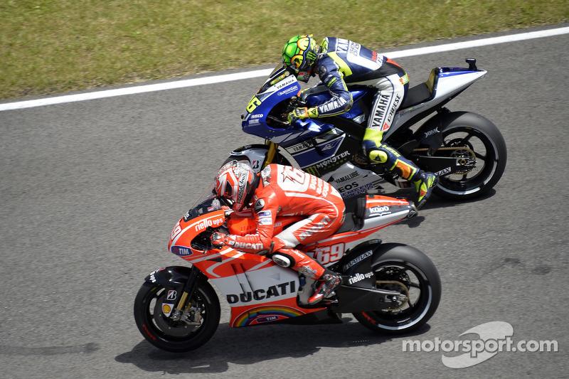2013 - Sofrendo para acompanhar o ritmo de Lorenzo, Márquez e Pedrosa, Rossi colocou uma tartaruga no capacete. O desenho também fazia referência ao primeiro mascote do italiano no início da carreira - uma tartaruga era atrelada ao número 46.