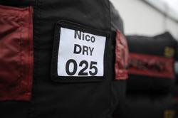 Droge bandenwarmers voor Nico Rosberg, Mercedes AMG F1
