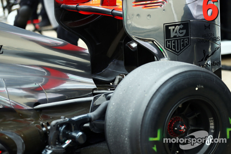 Sergio Perez, McLaren MP4-28 rear wing detail