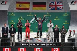 Fernando Alonso, Scuderia Ferrari, Sebastian Vettel, Red Bull Racing and Lewis Hamilton, Mercedes Grand Prix