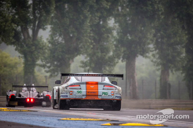 #98 Aston Martin Racing Aston Martin Vantage GTE: Bill Auberlen, Paul Dalla Lana, Pedro Lamy, Richie