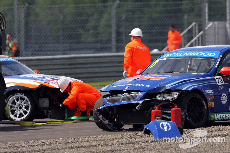 Crash, Fredy Barth, BMW E90 320 TC, Wiechers-Sport en Charles Ng, BMW E90 320 TC, Liqui Moly Team En