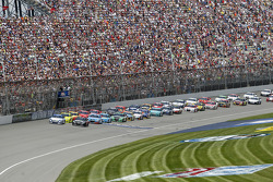 Start: Carl Edwards, Roush Fenway Racing Ford leads