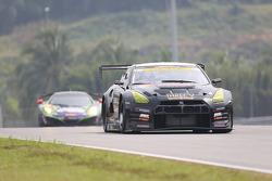 #360 Tomei Sports Nissan GT-R Nismo GT3: Takuya Shirasaka, Atsushi Tanaka