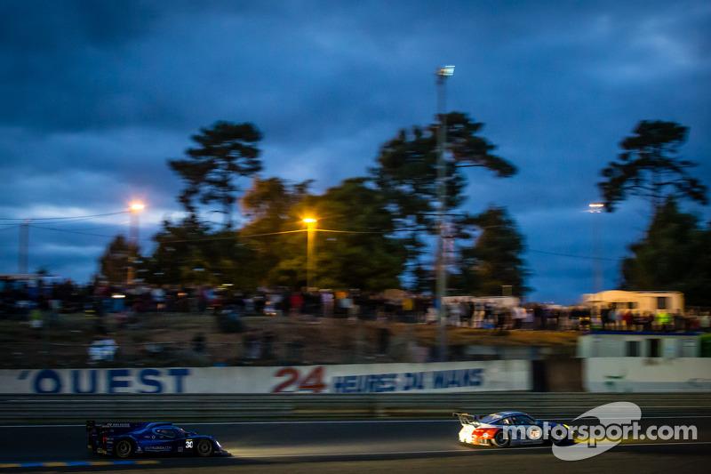 #76 IMSA Performance Matmut Porsche 911 GT3-RSR: Raymond Narac, Jean-Karl Vernay, Christophe Bourret, #30 HVM Status Grand Prix Lola B12/80 Coupe Judd: Jonathan Hirschi, Tony Burgess, Johnny Mowlem