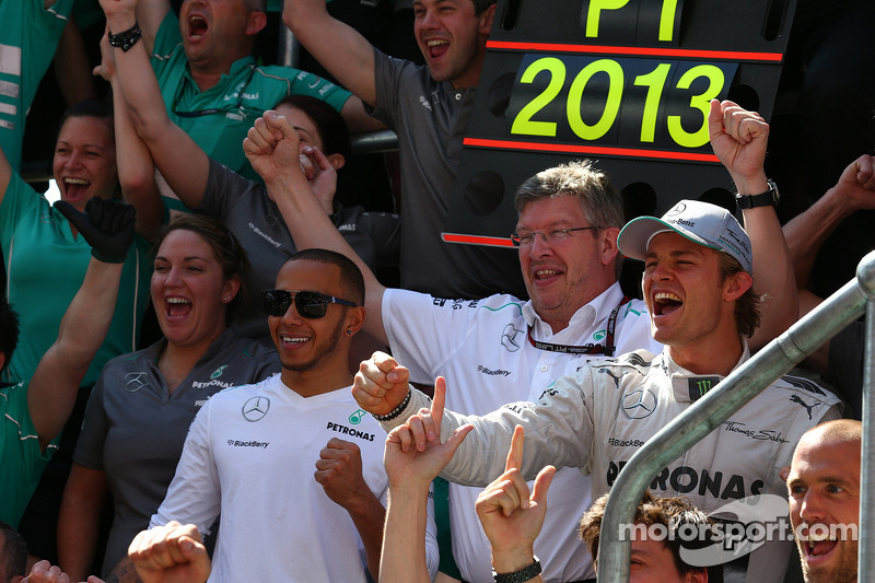 Lewis Hamilton, Mercedes AMG F1 with Ross Brawn, Mercedes AMG F1 Team Principal and Nico Rosberg, Me