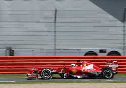 Felipe Massa, Scuderia Ferrari, puncture, tire exploded