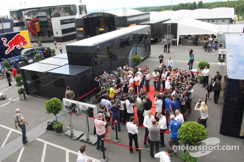 (L naar R): Adrian Sutil, Sahara Force India F1; Sebastian Vettel, Red Bull Racing; Nico Hulkenberg,