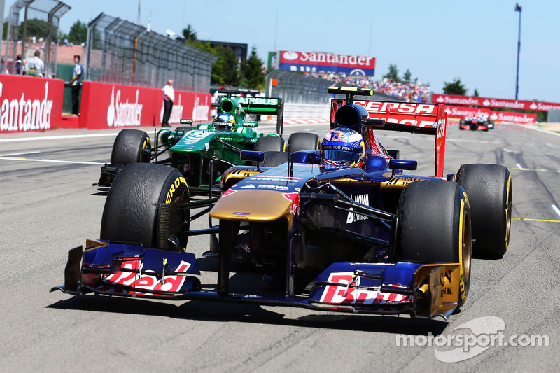 Daniel Ricciardo, Scuderia Toro Rosso STR8 op de grid