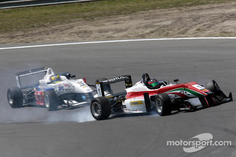 Crash tussen Sven Muller en Lucas Auer