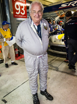Porsche Racing's Norbert Singer check out the SRT Motorsports Viper SRT GTS-R