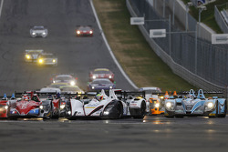 Largada: #38 Jota Esporte Zytek Z11SN Nissan: Simon Dolan, Oliver Turvey lidera