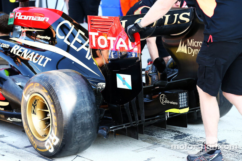 A Galician flag on the rear wing end plate of the Lotus F1 E21 of Romain Grosjean, Lotus F1 Team is