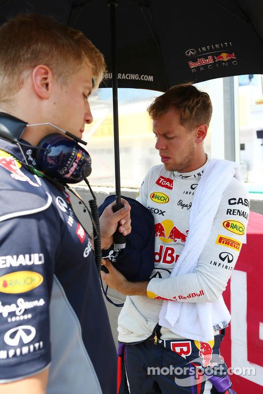 Sebastian Vettel, Red Bull Racing com Heikki Huovinen, Personal Trainer no grid