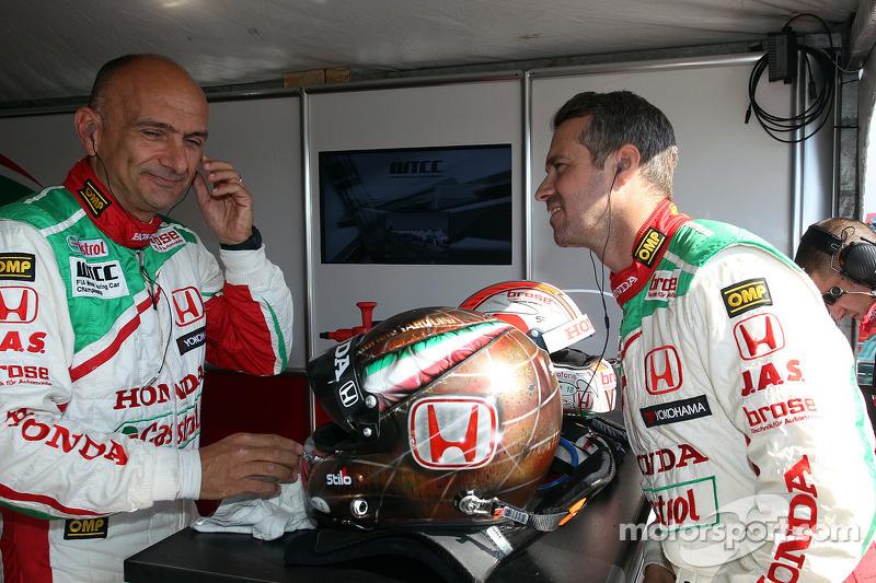 Tiago Monteiro, Honda Civic Super 2000 TC, Honda Racing Team Jas e Gabriele Tarquini, Honda Civic, Honda Racing Team J.A.S.