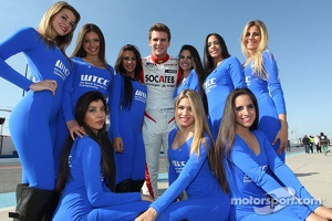 Hugo Valente, SEAT Leon WTCC, Campos Racing and Grid Girls
