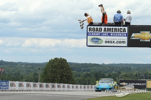 Winners #13 Rum Bum Racing Porsche 997: Nick Longhi, Matt Plumb