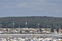 Джой Логано, Team Penske Ford и Дейл Эрнхардт-мл., Hendrick Motorsports Chevrolet