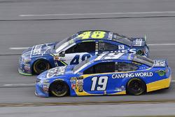 Daniel Suarez, Joe Gibbs Racing Toyota and Jimmie Johnson, Hendrick Motorsports Chevrolet