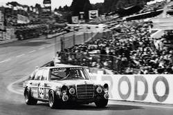 Mercedes 300 SEL 6.2, Hans Heyer dan Clemens Schickentanz