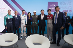 Luca Filippi, NIO Formula E Team with Angelo Sticchi Damiani, President of ACI, Sébastien Buemi, Renault e.Dams, Virginia Raggi, Mayor of Rome, Nelson Piquet Jr., Jaguar Racing, Alejandro Agag, Formula E CEO, Founder, CEO of the FIA Formula E Championship, Lucas di Grassi, Audi Sport ABT Schaeffler, Roberto Diacetti, EUR S.p.A Chairman. Thursday 19 October 2017