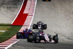 Sergio Perez, Sahara Force India F1 VJM10, Daniil Kvyat, Scuderia Toro Rosso STR12, Romain Grosjean, Haas F1 Team VF-17