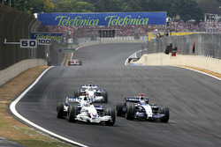 Nick Heidfeld, BMW Sauber F1.07 et Nico Rosberg, Williams FW29