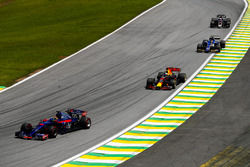 Brendon Hartley, Scuderia Toro Rosso STR12, Daniel Ricciardo, Red Bull Racing RB13, Pascal Wehrlein, Sauber C36, Romain Grosjean, Haas F1 Team VF-17