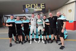 Ganador de la pole Gordon Shedden, Leopard Racing Team WRT, Volkswagen Golf GTI TCR