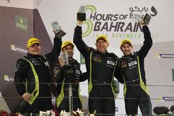 Podio LMGTE AM: ganadores Paul Dalla Lana, Pedro Lamy, Mathias Lauda, Aston Martin Racing